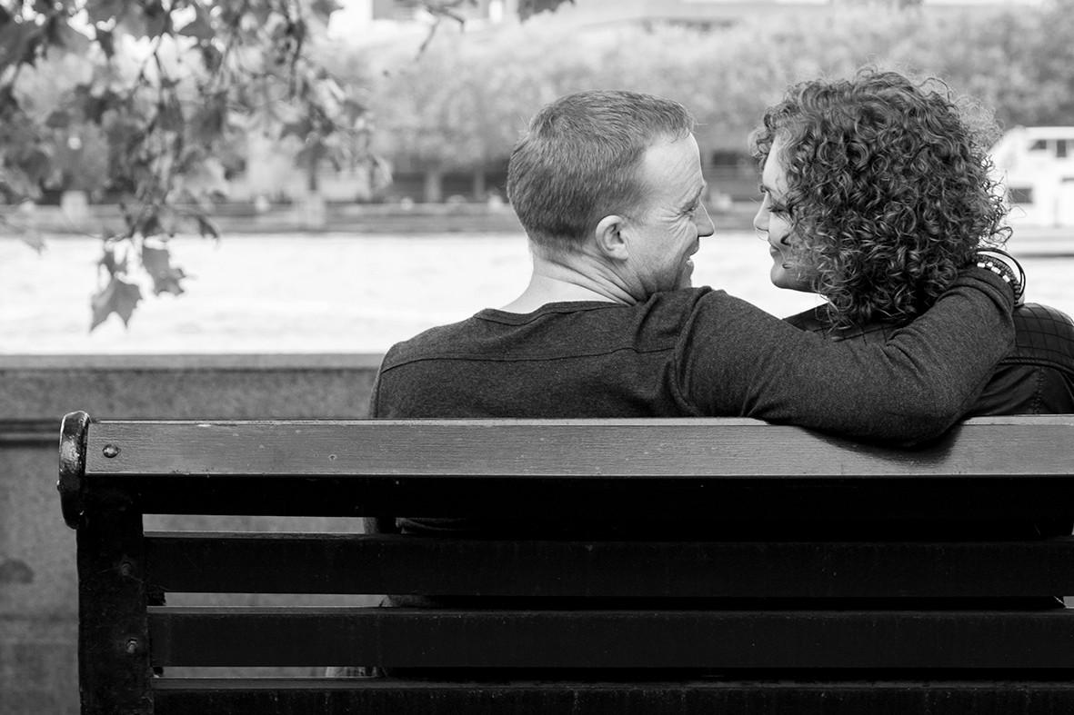 Pre wedding photo shoot embankment