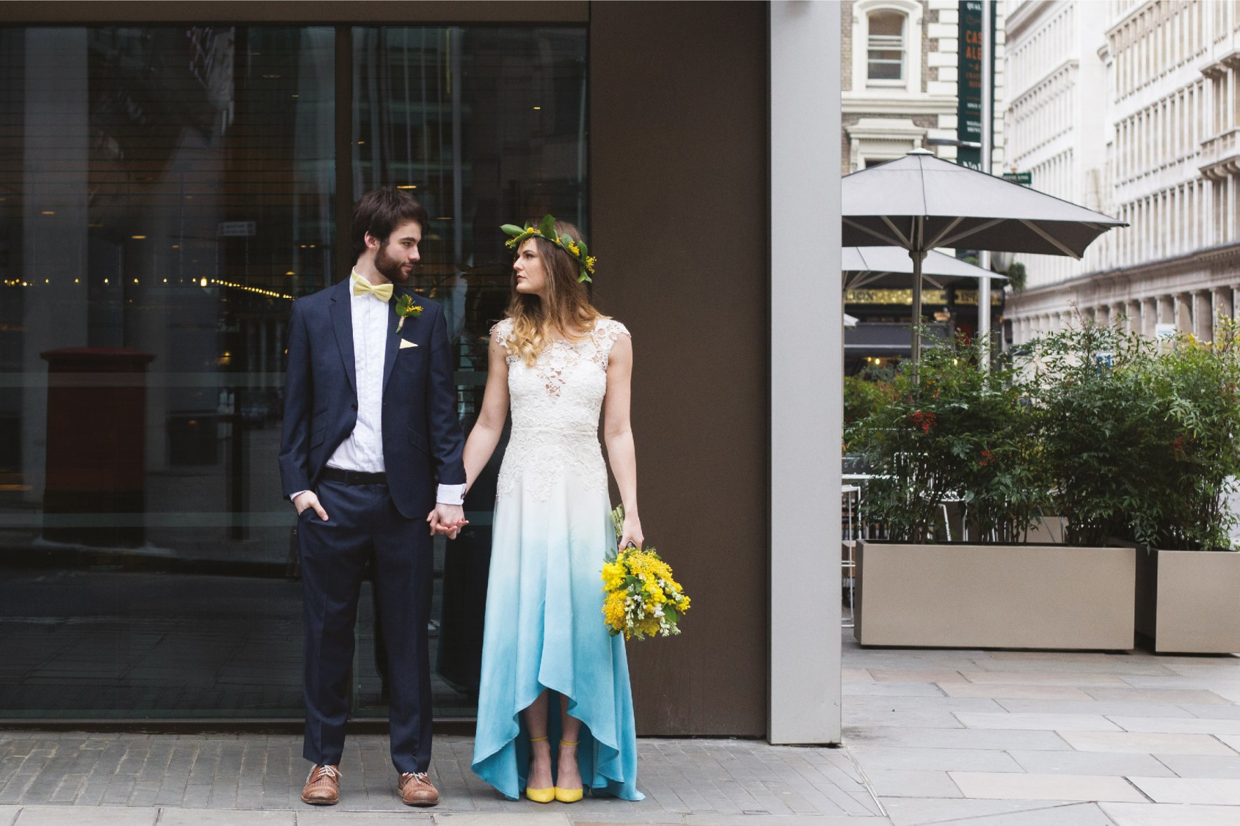 Modern wedding photography - London by www.rosepaperscissors.com