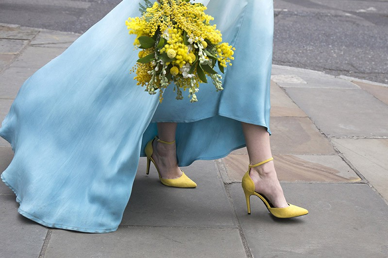 Dip dye wedding, blue and yellow colour scheme - wedding photography and styling by www.rosepaperscissors.com
